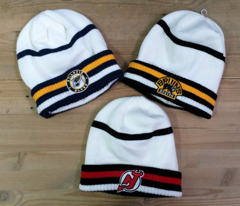 Шапка Reebok NHL белая