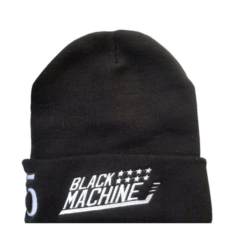 Спортивные шапки с вышивкой на заказ